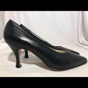 Martinez Valero Dark Navy Leather Pump 7B